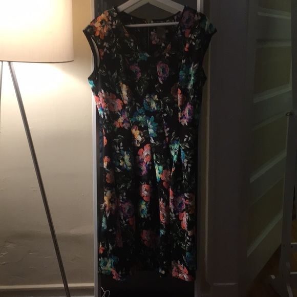 Taylor Dresses & Skirts - Scuba style black dress with Fluorescent Roses.